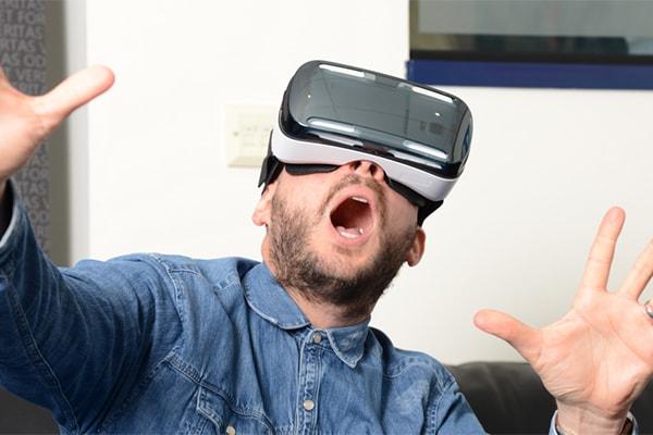 6 điều bạn cần biết về thiết bị chơi game thực tế ảo